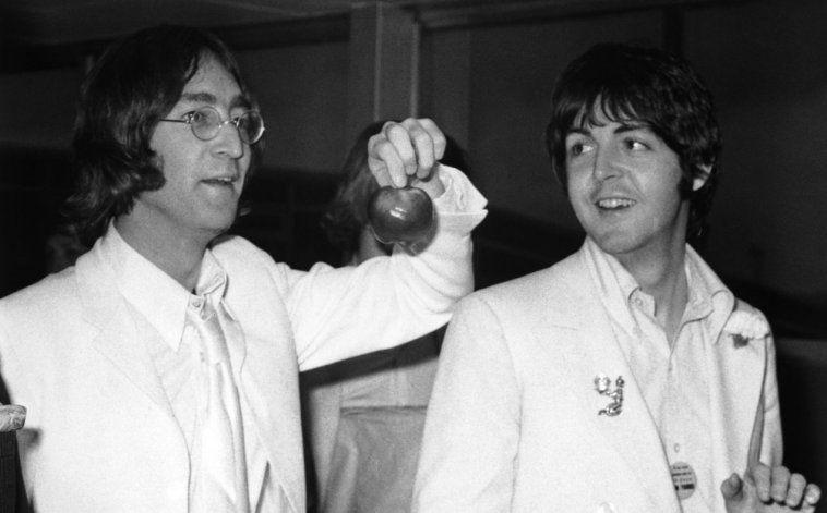 Lennon y McCartney, peleados, emprendieron carreras solitas. En el medio, una guerra judicial por los Beatles.