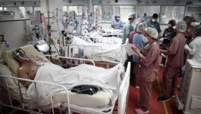 Sin sedación, los pacientes intubados en Río permanecen despiertos y atados a la cama