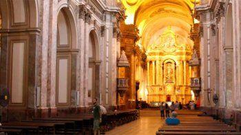 nacion habilita los oficios religiosos en lugares cerrados al 30 %