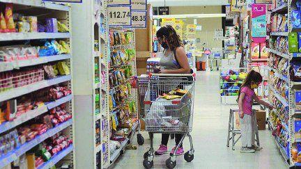 Pese a la inflación, se mantienen altas las ventas de los súper.