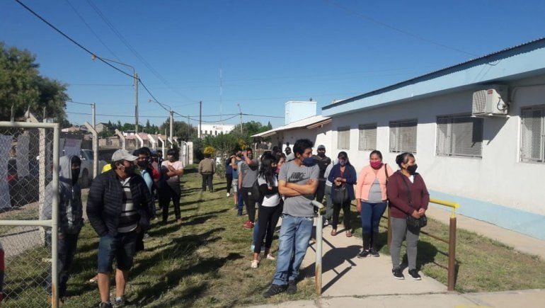 La comunidad boliviana del Alto Valle comenzó a votar