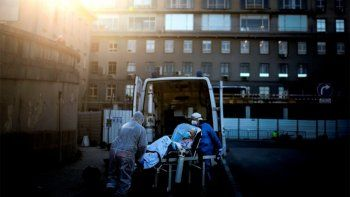coronavirus: en el pais se registraron 383 muertes en un dia