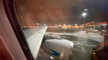 hoy llega el avion con las 300.000 dosis de la sputnik