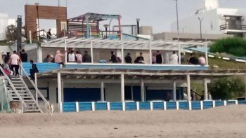 Las Grutas: violenta pelea entre jóvenes a las salida de un bar