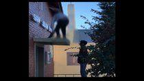 la peligrosa pirueta de dos skaters en cutral co