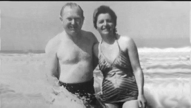 Junto a su marido Samuel, durante unas vacaciones.