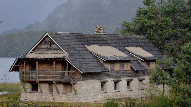 La hostería de La Angostura se encuentra abandonada hace cuatro décadas.