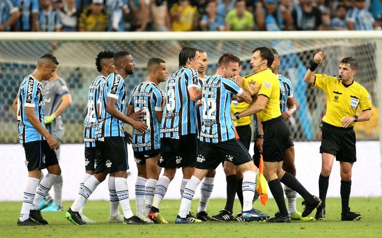 River, un club de estafadores: la fuerte acusación desde Brasil