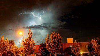 Alerta por tormentas eléctricas, chaparrones y granizo