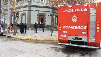 Tensión: se roció con alcohol y amenazó con prenderse fuego