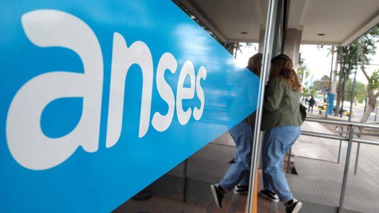 ¿Quiénes cobrarán los 23 mil pesos de la Anses en diciembre?