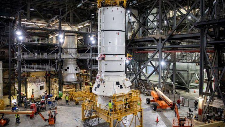 SLS: el ensamblaje del megacohete de la NASA comienza en Florida