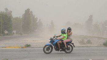 alertan por fuertes vientos en la region durante la tarde