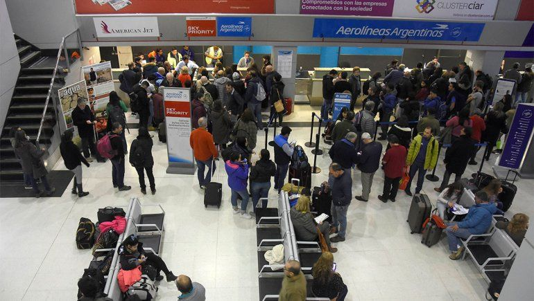 Piden una apertura gradual de los vuelos antes de septiembre