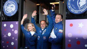equipo de cine ruso filmara una pelicula en la estacion espacial internacional