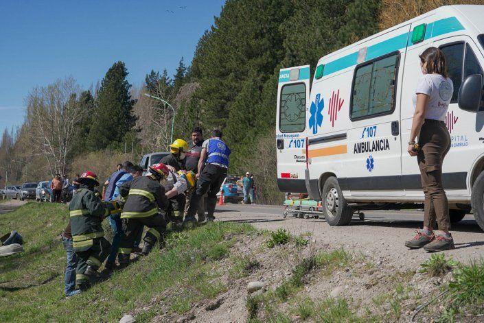 Mordió banquina, se cruzó de carril y chocó a una camioneta