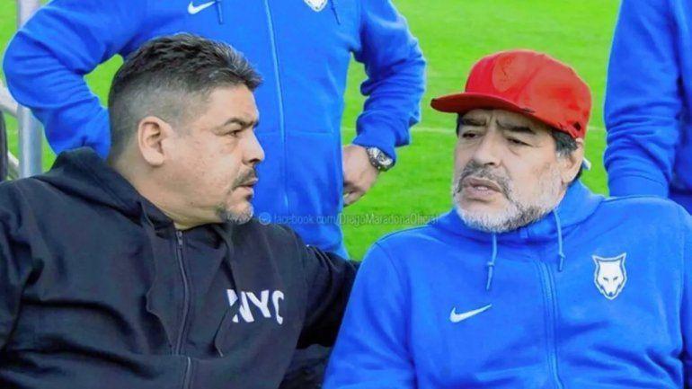 Hugo Maradona junto a su hermano Diego hace un tiempo.