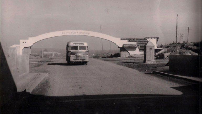 Arco del puente carretero realizado por empresa constructora italiana, mediados siglo XX.