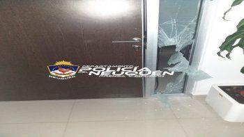 Dos delincuentes realizaron un boquete en un edificio del centro. Uno fue detenido, el otro logró escapar.
