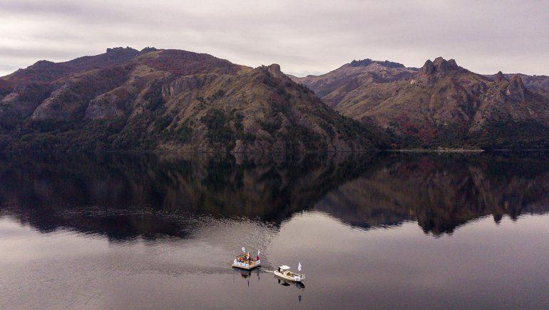 La primera fibra óptica subacuática de la Argentina está en Neuquén