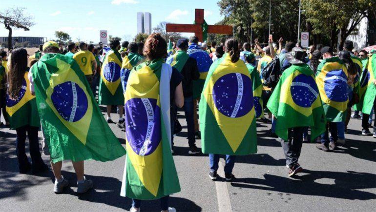 Brasil superó las 81.000 muertes con más de 2,1 millones de casos