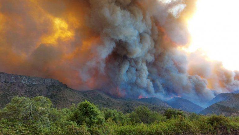 Cordillera bajo fuego: incendios ponen en jaque a El Bolsón, El Hoyo y Lago Puelo