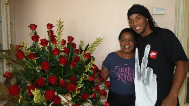 Muere la madre de Ronaldinho víctima del coronavirus