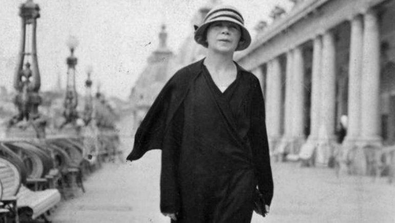 Todos los mares de Alfonsina Storni: su vida y su misteriosa muerte