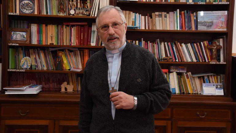 Croxatto pide evitar el contacto en las misas de Neuquén