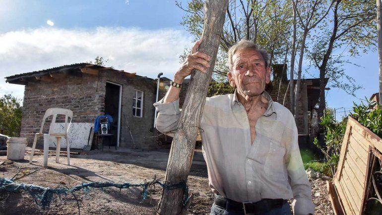 Olegario estrenó su casa, fruto de la solidaridad y amor