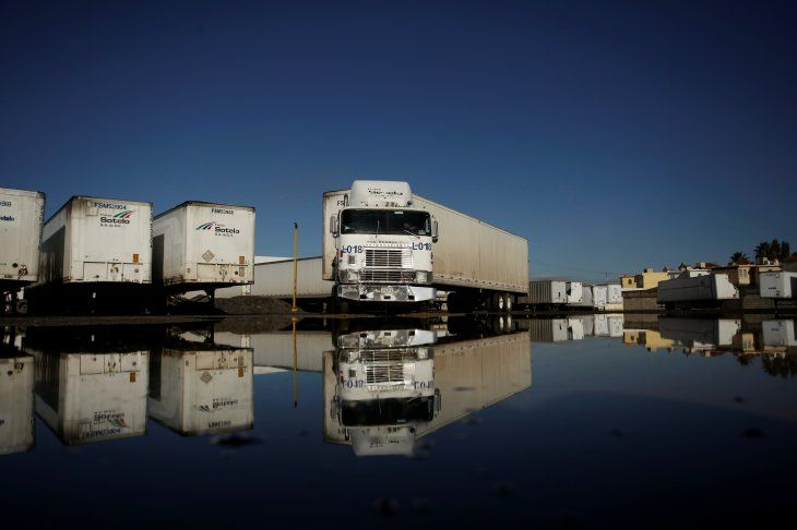Un remolque cargado con mercancías de la empresa de transportes de carga Sotelo