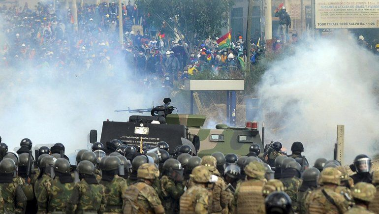 Confirman ocho muertos durante una brutal represión a una marcha de cocaleros