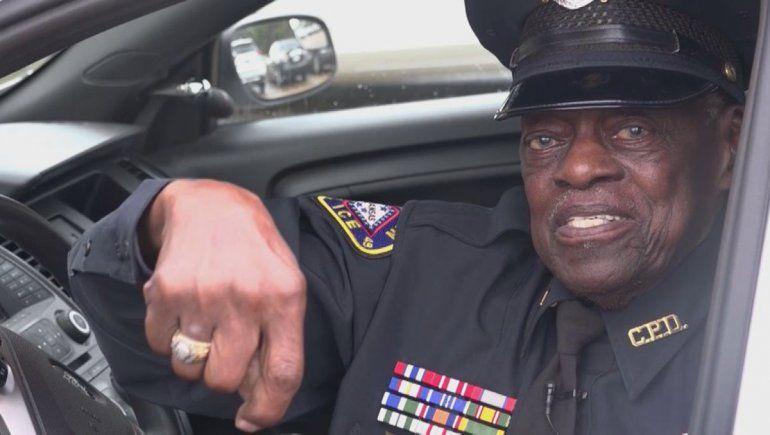 Un policía que está por cumplir 92 años no piensa jubilarse