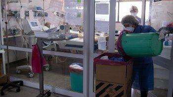 Murieron 496 personas por COVID en las últimas 24 horas