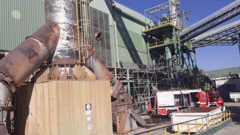 Histórica fábrica de vidrios explotó y provocó imponente incendio