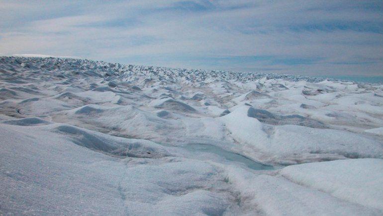Creen haber encontrado un río bajo el hielo de Groenlandia