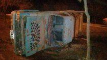video: asi fue el momento en que derribaron el busto de kirchner