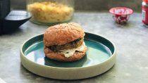receta facil: sandwich de portobello apanado