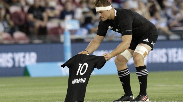 El fuerte homenaje de los All Blacks para Maradona en el haka