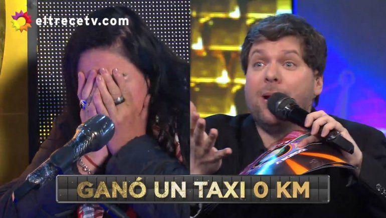 Ganó el taxi y su llanto emocionó a todos: Por fin algo bueno