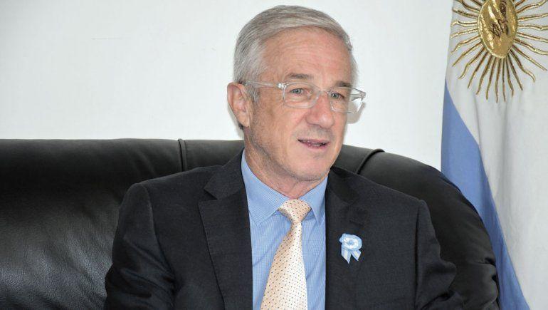 Leandro Bertoya, intendente de El Chañar, encabezará la vendimia virtual.