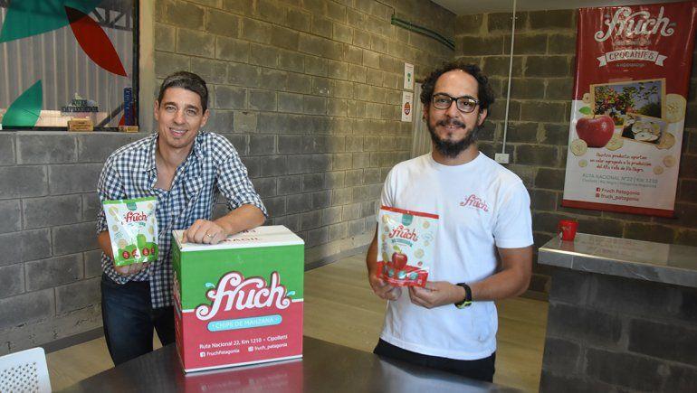 Manuel y Gastón, los primos llevan adelante la fábrica de Fruch.