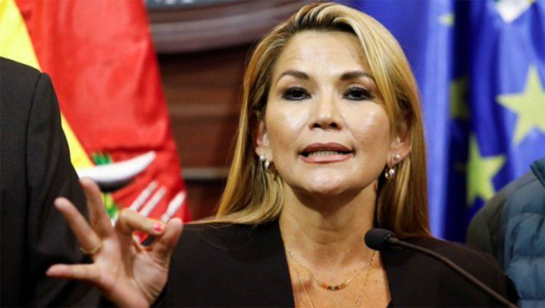 Jeanine Áñez se autoproclamó presidenta de Bolivia
