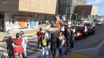 Salud continúa con las protestas en las puerta del CAM