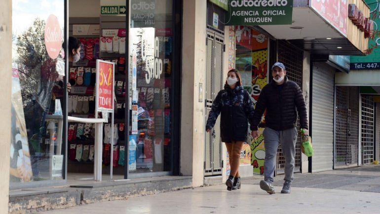 Restricciones en Neuquén: la Municipalidad flexibilizó el horario comercial y de circulación