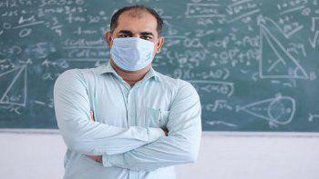 Podrían adelantar vacunación a docentes en Buenos Aires