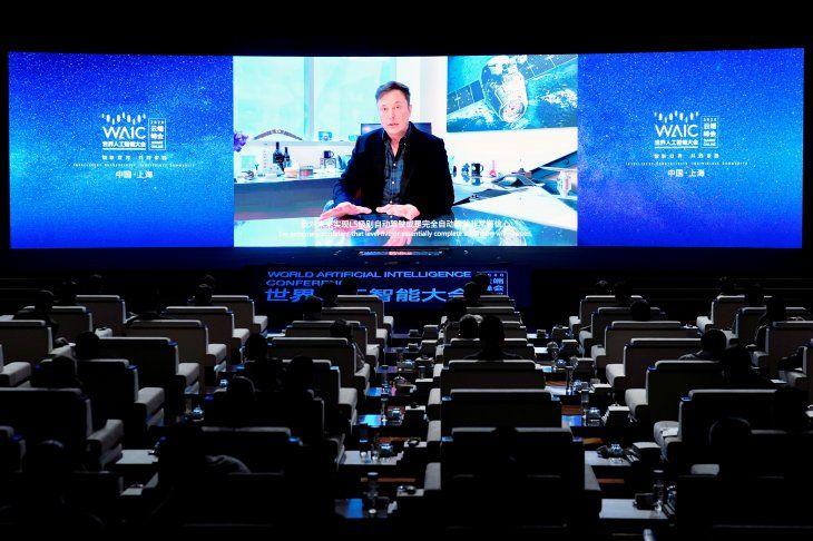 FOTO DE ARCHIVO: El CEO de Tesla