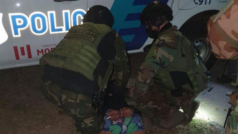 Un hombre tomó de rehenes a su mujer, a la hija y a su suegra
