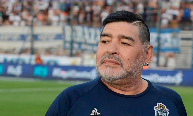 Las emotivas frases que visten la tumba de Maradona
