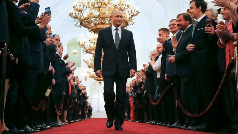 Putin ordena aplicación masiva de la Sputnik V